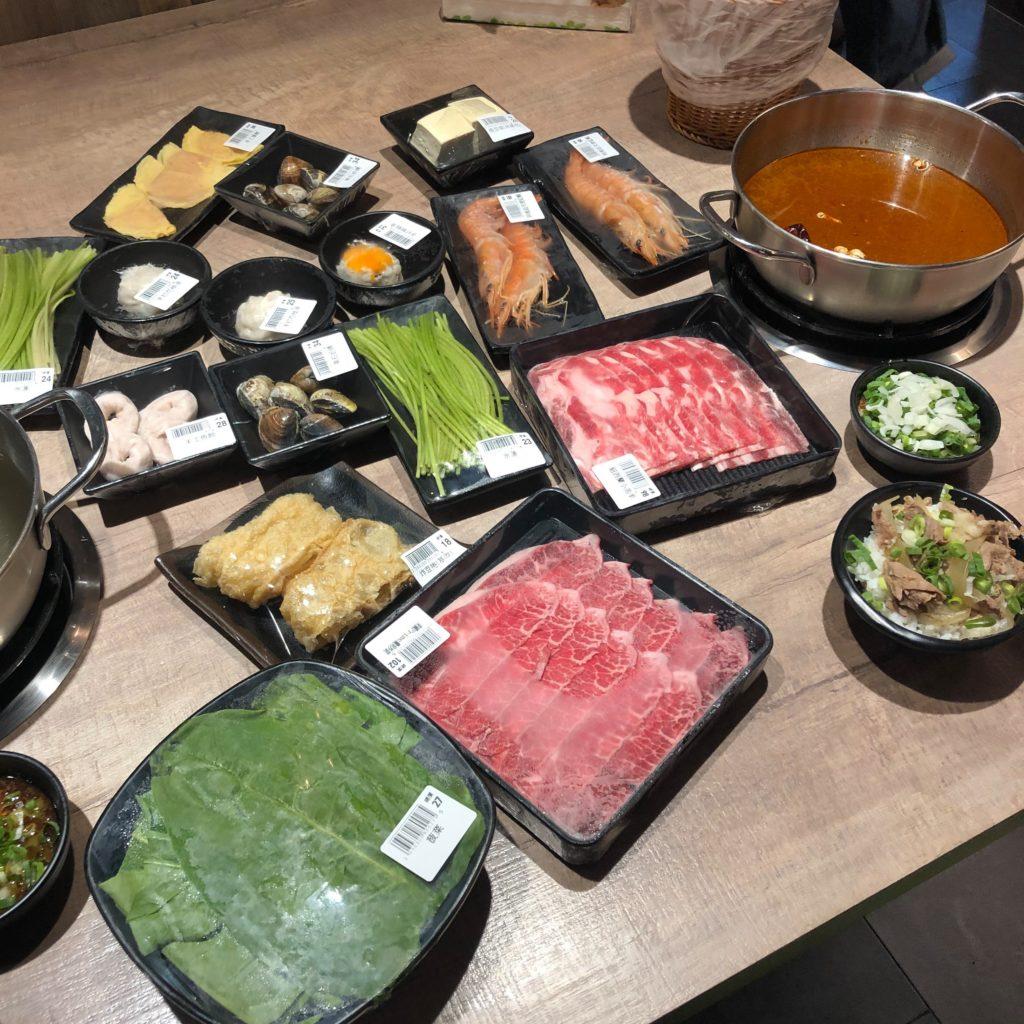 【食記】東吉水產超市火鍋│西門店│各種海鮮、肉類自己選