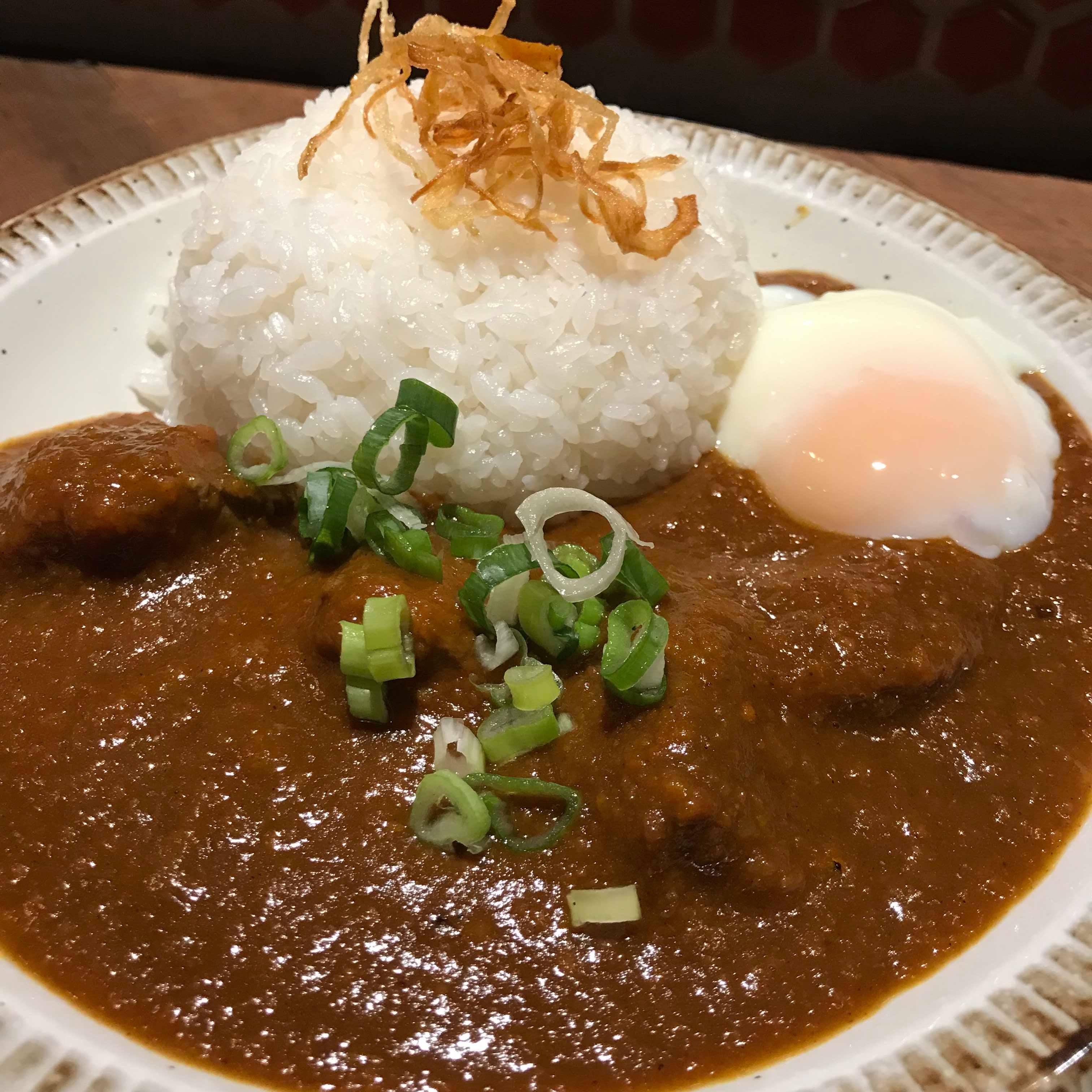 【食記】台北最好吃的咖哩飯|新高軒|一次只入座8位想吃先排隊